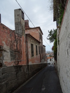 The narrow streets down to Funchal