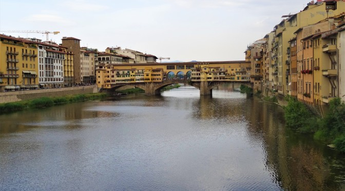 Ponte  Vecchio and the Arno River (Florence)